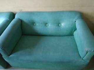 Sofa ruang tamu 1 set ( meja + bantal )