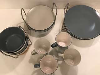 Pre-loved 16-piece stoneware dining set with FREE spoon and fork set - Rack NOT INCLUDED