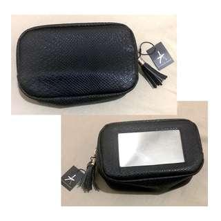Athmosphere makeup pouch with mirror