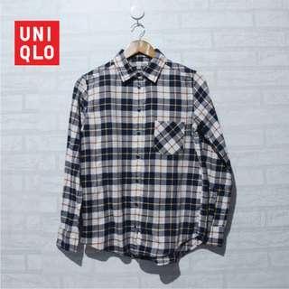 Kemeja UNIQLO Flannel Shirt NAvy White Checkers
