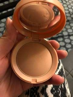 Bourgeois mineral pressed makeup