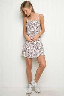 Brandy Melville Clyde white floral dress