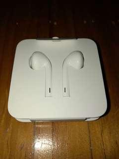 ORIGINAL / brand new headset for all types of iphones