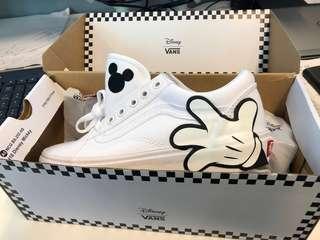NEW Vans Mickey size 6.5women/5men