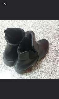 🚚 Boots chelsea 靴子鞋 37