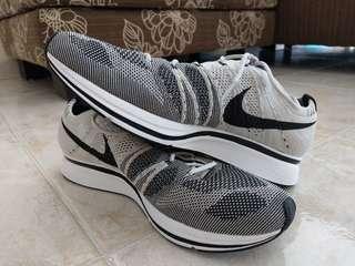 Nike Flyknit Trainer - Pale Grey
