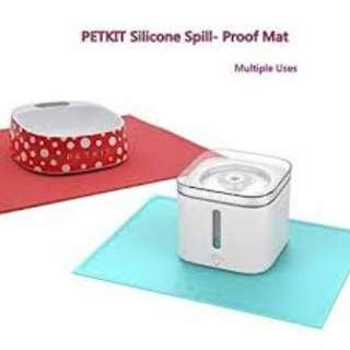 PETKIT Dog Cat Food Feeding Mat, FDA Grade Silicone Waterproof Pet Floor Mat Tray, Dog Cat Bowl Placemat No Mess Anti-Spill Non-Slip,