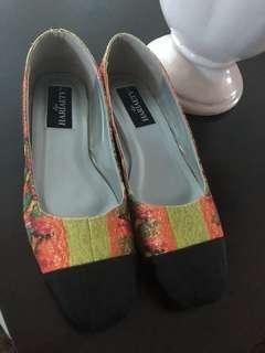 Songket flat shoes (size 8)