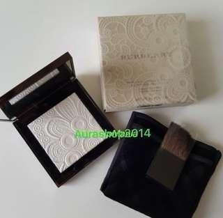 Brand New!! Burberry Highlighting palette no. 01 White