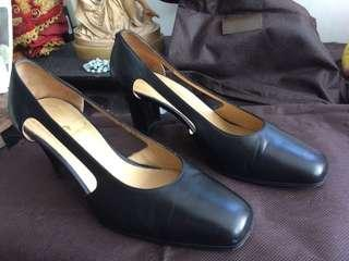 Aigner shoes (size 35 1/2)