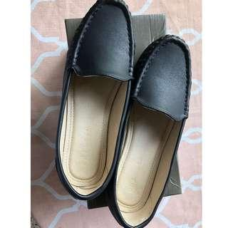 Brand New Chelsea Black Shoes for Women