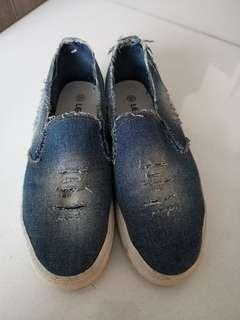 39 號休閒鞋