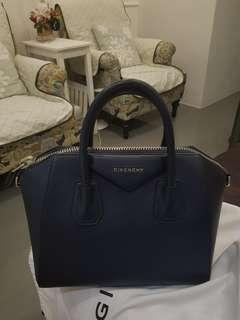 Givenchy Antigona small