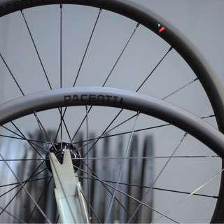 Pacenti USA Hand Built 30mm Carbon Tubeless Wheelset