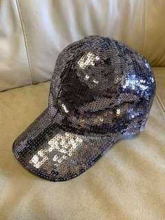 閃閃 cap 帽