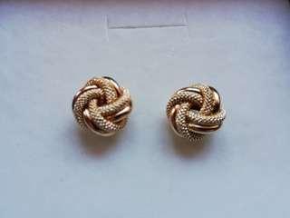 18k 2.24g Earrings