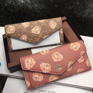 🚚 Coach enve wallet