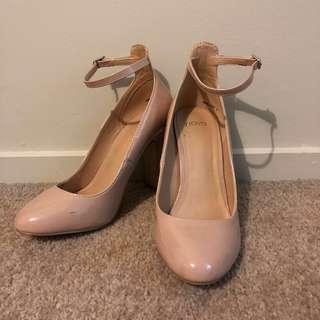 Novo Beige Heels