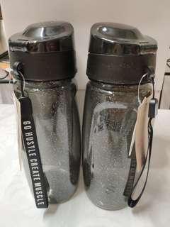 [全新5折] H&M 黑閃 型格 Water Bottle 水樽
