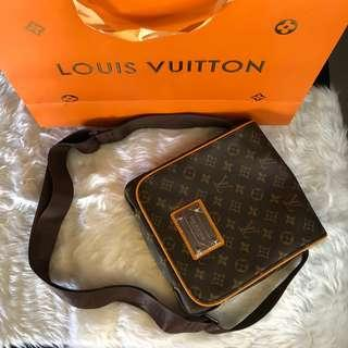 LOUIS VUITTON MESSENGER SLING BAG