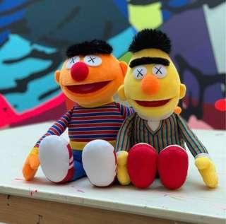代購 Uniqlo x KAWS x Sesame Street 芝麻街公仔 Bert Ernie