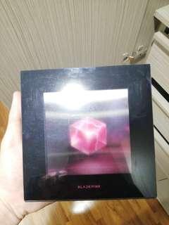 Black pink square up album