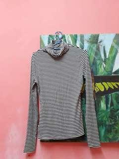 Turtle neck Longsleeve Stripes Top