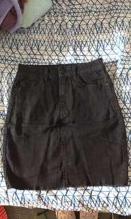Black high waisted skirt || size 6