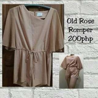 Old rose romper