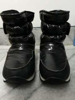 Sepatu boots winter