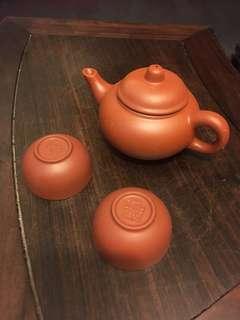 潮州泥壺連茶杯兩個
