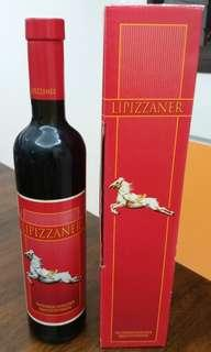 Red wine (rare). 1997. Austria. 500ml. Feel free to give a reasonable offer. Thanks.