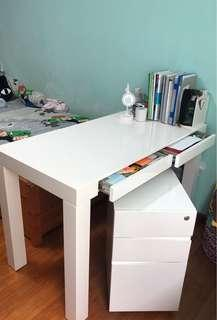 Study desk with pedestal drawers