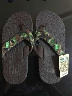 Authentic SANUK slippers