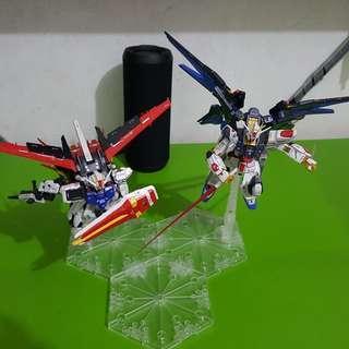 Gundam Strike Freedom dan Aile Strike skala 1/144 RG