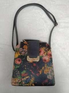 Black Floral Buckle Shoulder Bag