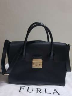4e103b598c Authentic Furla metropolis medium satchel (FAST DEAL  320)