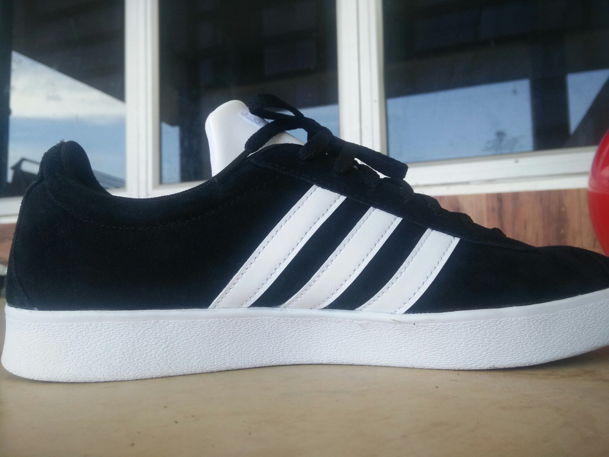 c5f6b3644e5da PrelovedWithLove Adidas Court V1