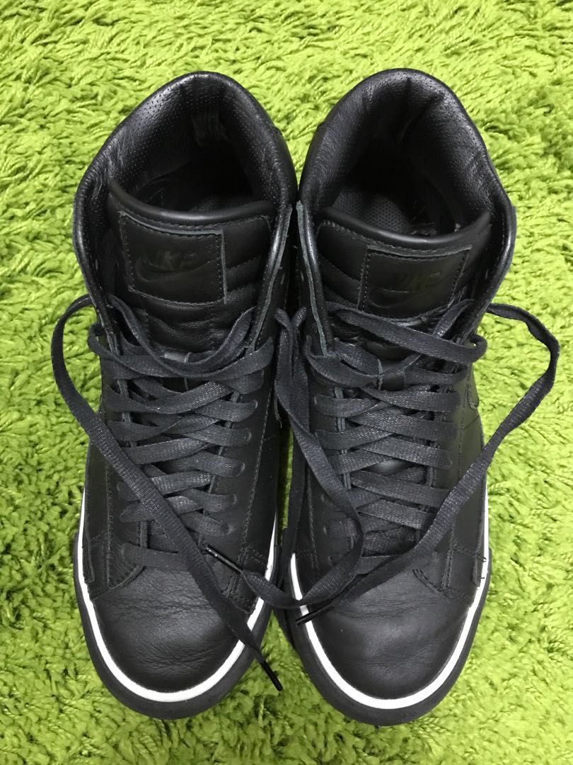 9eee894e4f06 CDG x Nike high cut sneakers