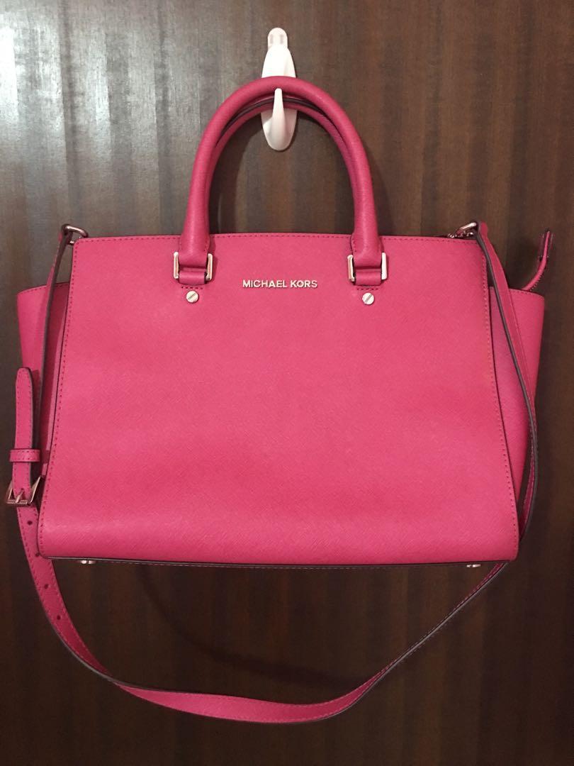 21fd04545841 Michael Kors Handbag in Pink