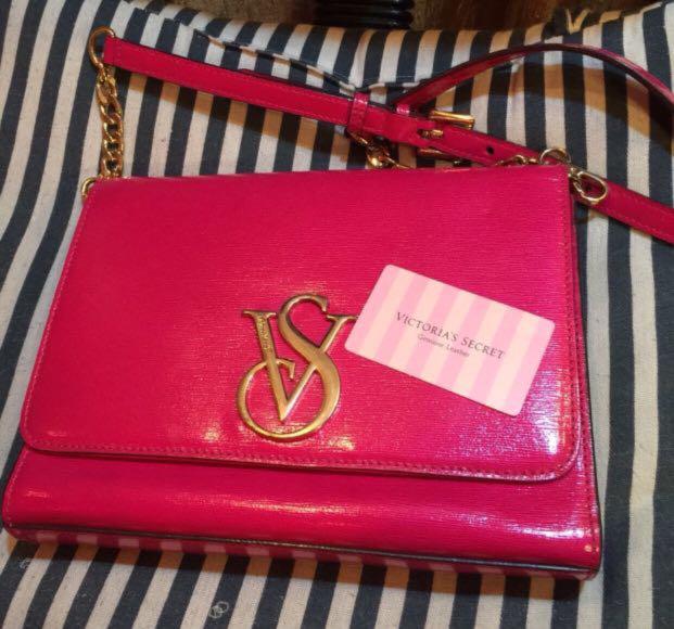 43426dc5525c ORIGINAL Victoria s Secret Sling Bag