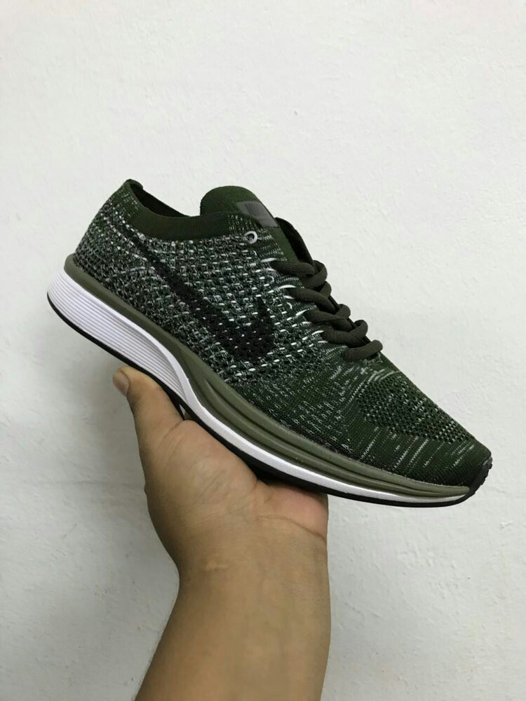 e000c480eb96 ... cheap ready stock nike flyknit racer olive green mens fashion footwear  others on carousell 2326e 19815