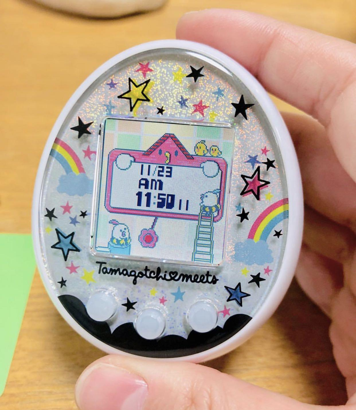 Tamagotchi Meets White - LIMITED EDITION, Toys & Games