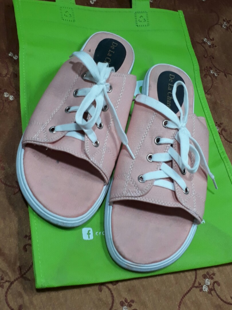 33979e1999a7 Unisex slides sandals (Converse Chuck Taylor cutaway style ...