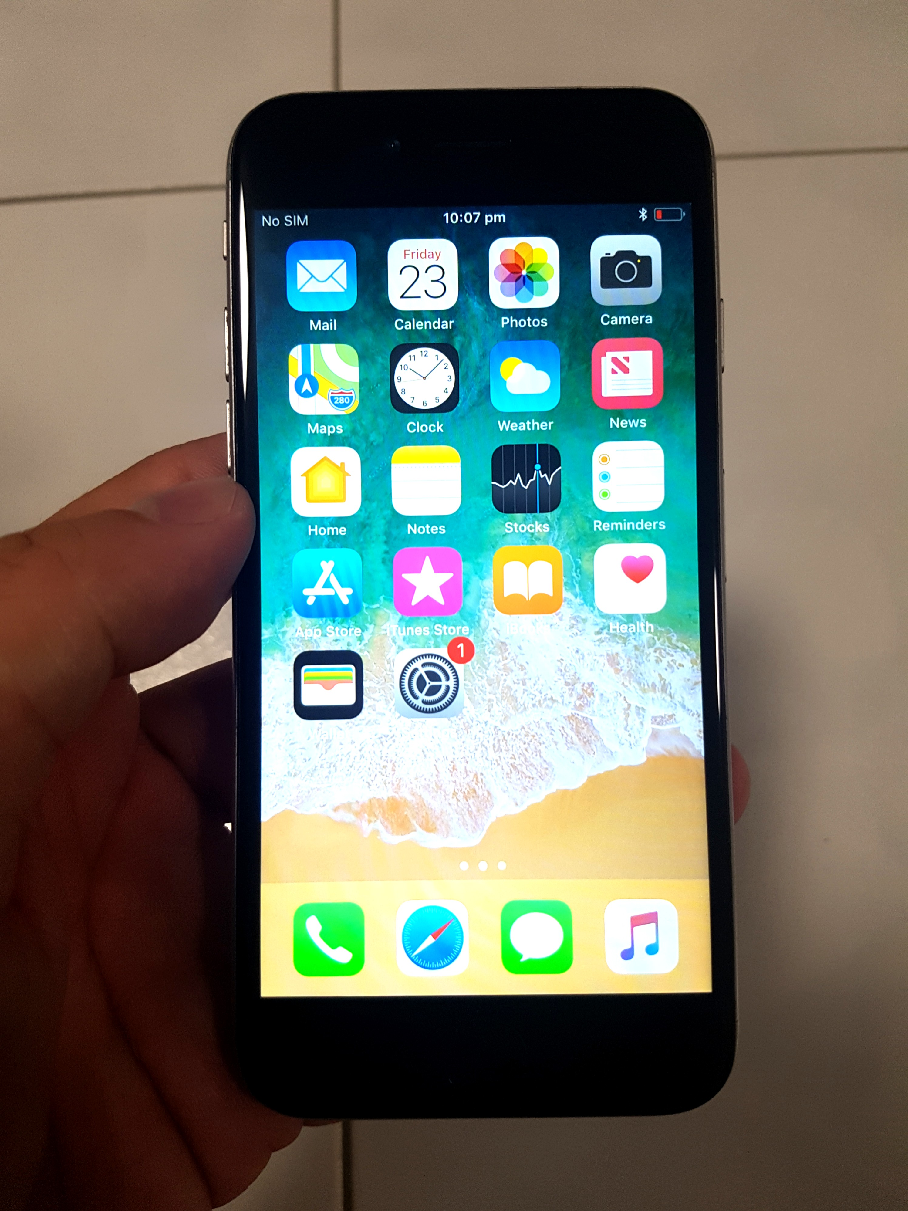 5956aa0cf6d941 Used iPhone 6 64GB Grey Let go Lowest price Only 1pcs