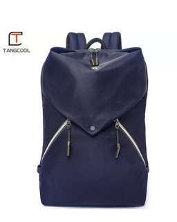 雙肩背包 Light Multi Layer Backpack