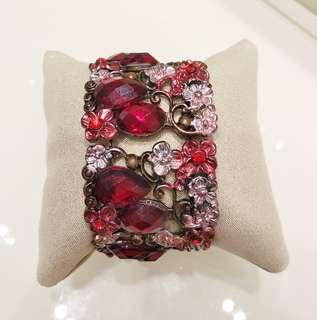 flowery sparkling bangle