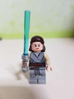 AUTHENTIC LEGO STARWARS rey figurine