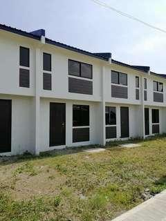 2 Bedroom comple Townhouse in Palmerston North, Lambingan, Tanza Cavite