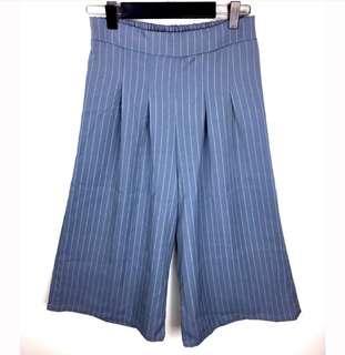 Grey sz S/M stripe pinstripe women culottes shorts pants fashion blogger basic